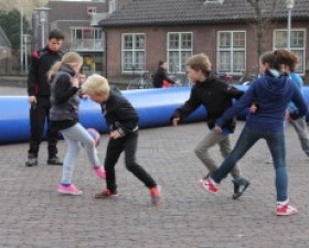 Tieners Wijk aan Zee houden vo..