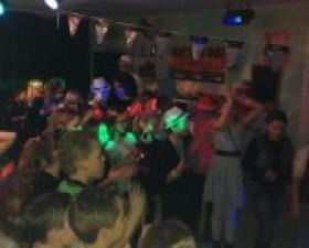 Groep 8 disco Inside 54 zoekt ..