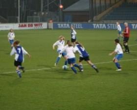 Voetbalclinic ADO´20 op Inter..